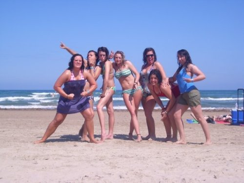 some WT girls at the beach